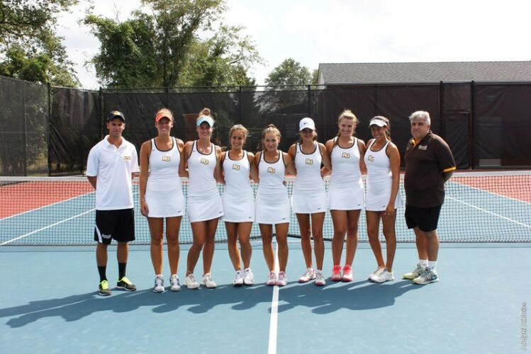 Adelphi University Women's Tennis Team 2014/2015